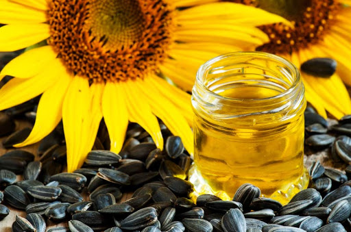 Top 3 Incredible Skin Benefits Of Consuming Sunflower Oil