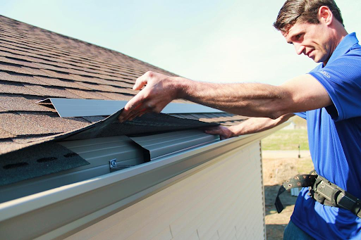 Why Gutter Cleaning Service is Better to Avoid Water Damage