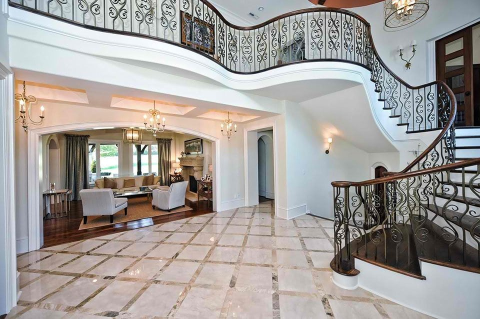 Reap the Benefits of Custom-Made Staircase that Enhances the Style of Your Home